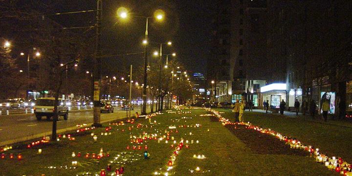 05_04_02_znicze-dla-JP2_noc